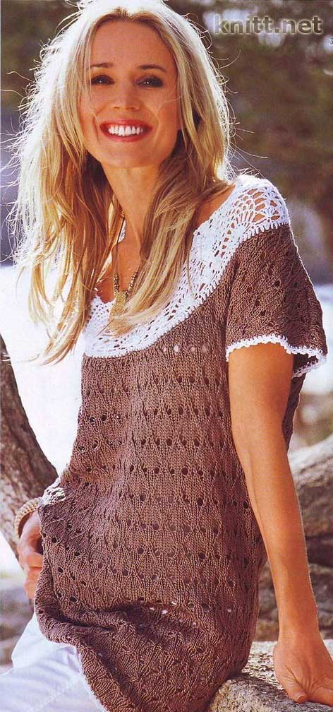 пуловер с кружевным воротником