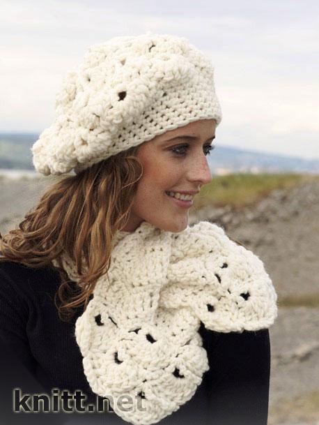 Ажурный берет и шарф из толстой пряжи